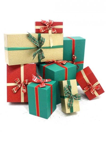 Christmas Presents.Traditional Christmas Presents Set Of 8